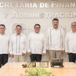 El titular de la Secretaria de Finanzas y Administración, Isidro Jordán Moyrón dio los nombramientos de los nuevos directivos de esta institución.